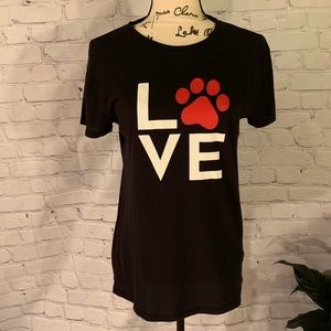 *SALE TODAY* Dog Love 🐾 ❤️! Adorable Tee!!